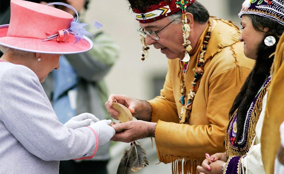 Queen Elizabeth with the Pocahontas Cameo