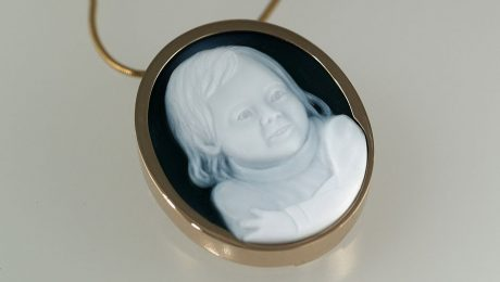 cameo-necklace-portrait-of-girl-white-green-agate-gem