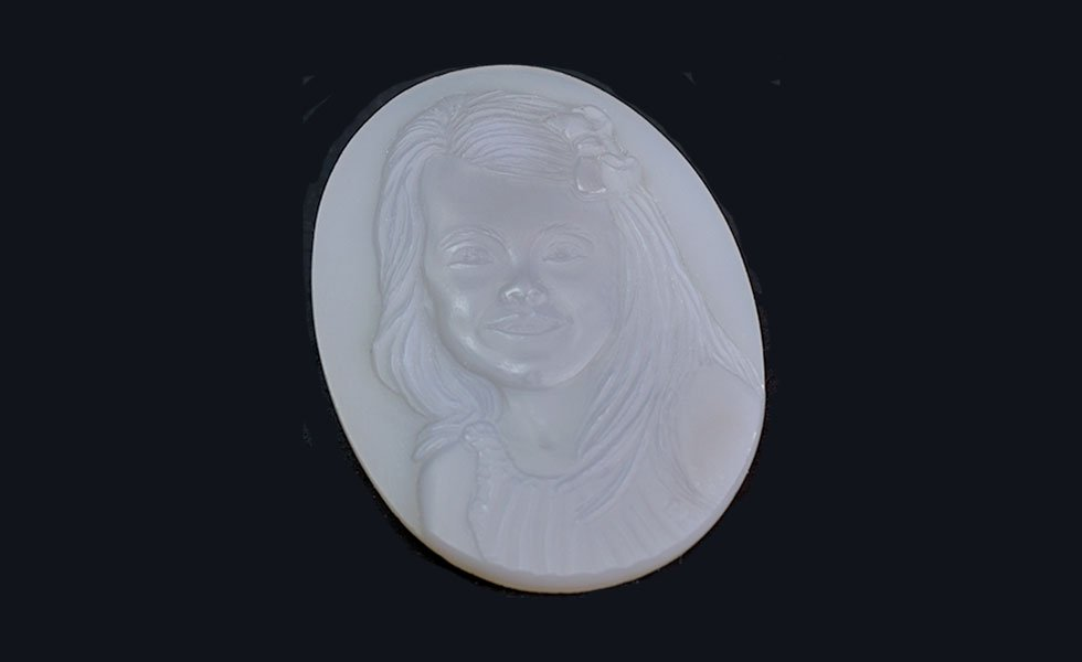 grey-agate-cameo-portrait-daughter_lg
