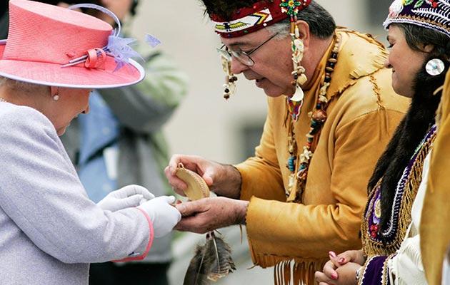 Her Majesty Queen-Elizabeth-II-Custom Cameo of Pocahontas