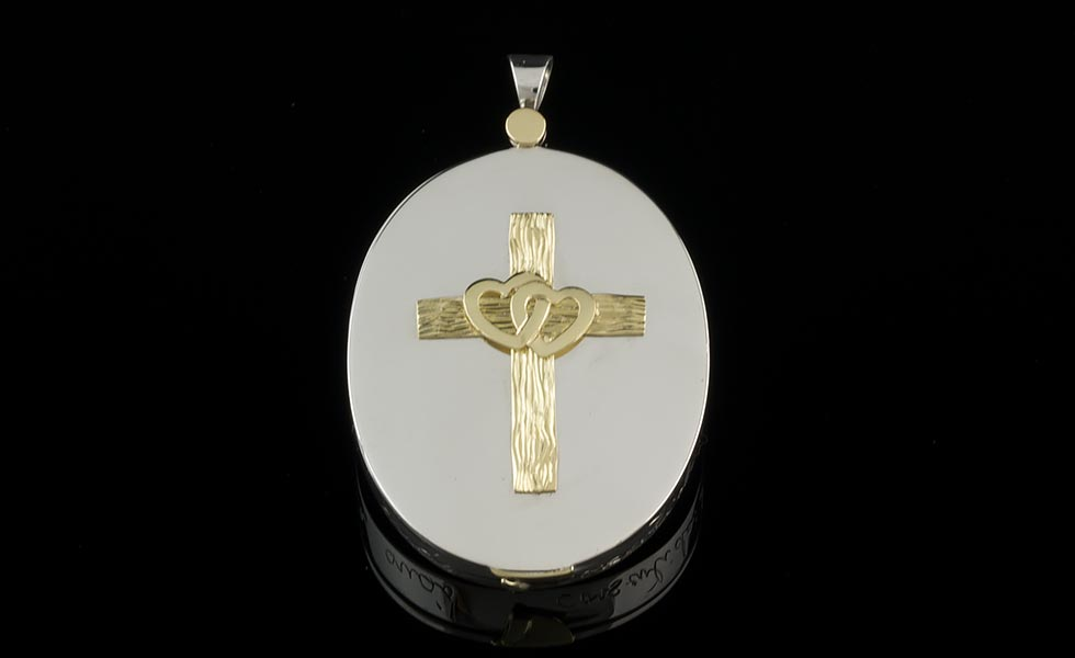 symapthy-cameo-locket-cross-lg