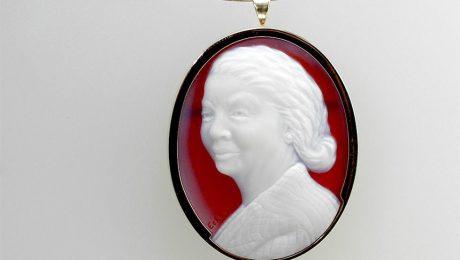white-red-cameo-grandma