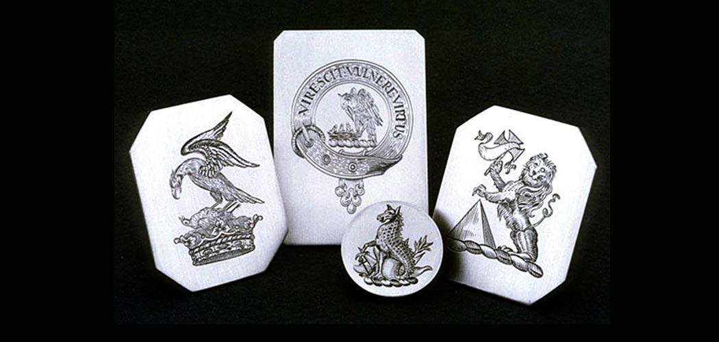 engraved-4-crests-wide