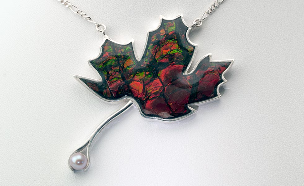 maple-leaf-pendant-ammolite