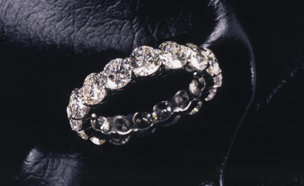 diamond-anniversary-ring_lg