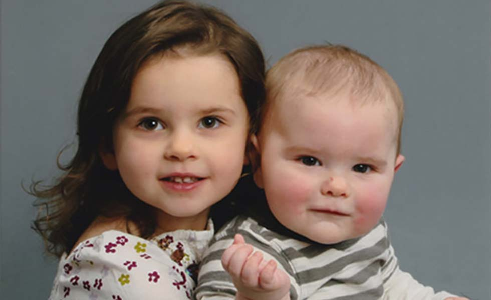 two-young-children-photo-lg
