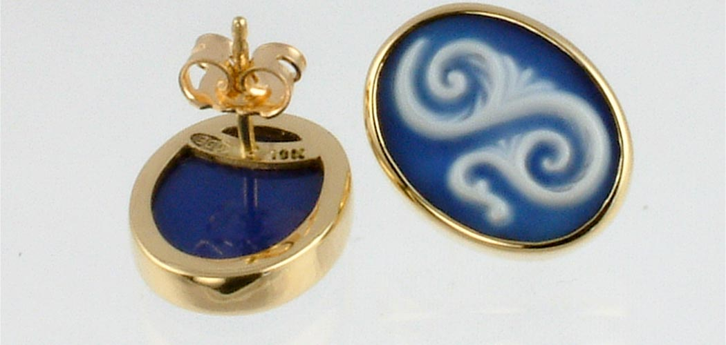 cameo-scroll-earrings-wide