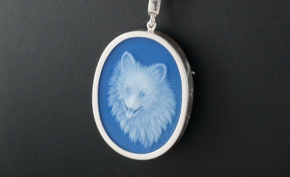dog-cameo-white-blue