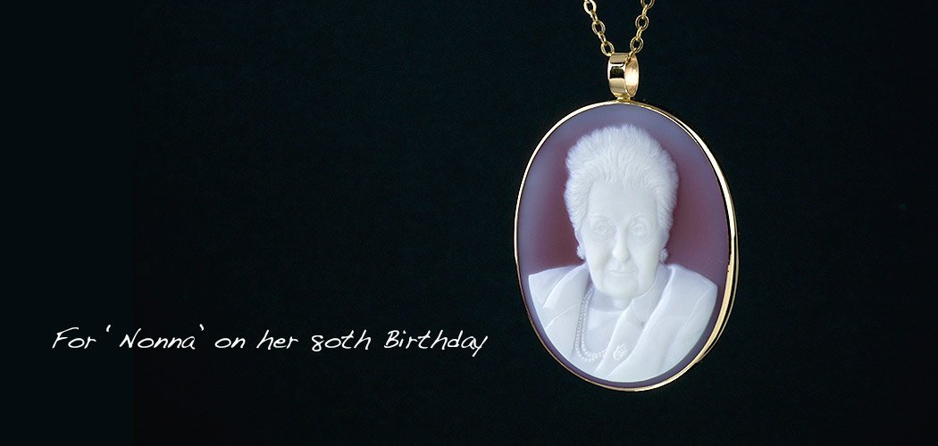 custom-cameo-necklace-portrait-grandma-gold-blk