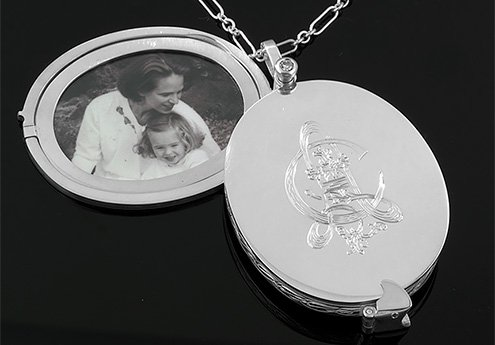 Custom Locket open to Reveal Photo