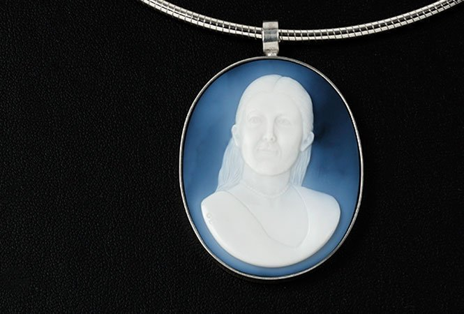cameo-necklace-portrait-wife-wedgewood-blue