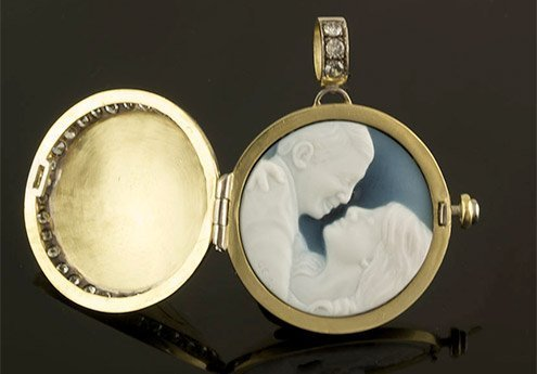 portrait-cameo-locket-diamond-set