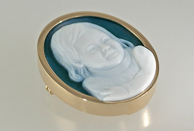 white-green-cameo-portrait