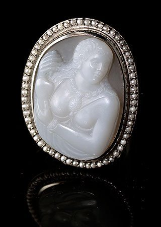 white-grey-cameo-brooch-5-7
