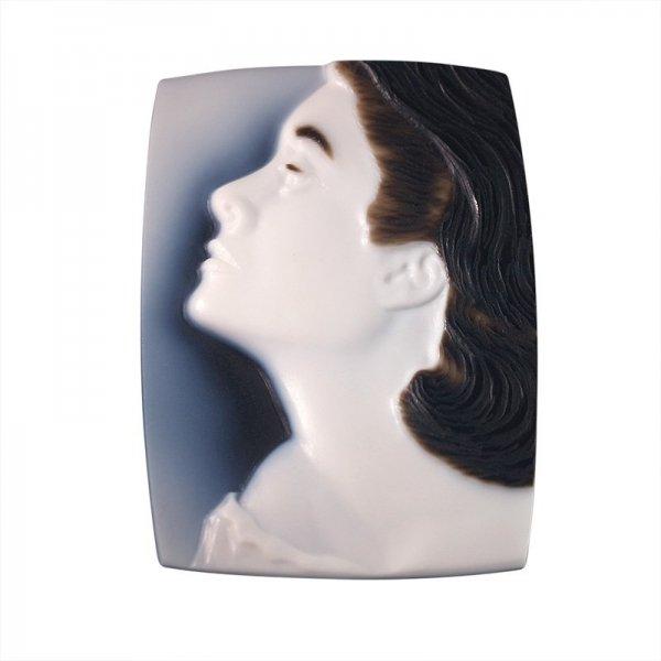 cameo-portrait-grace-kelly-3-layer-800-sq