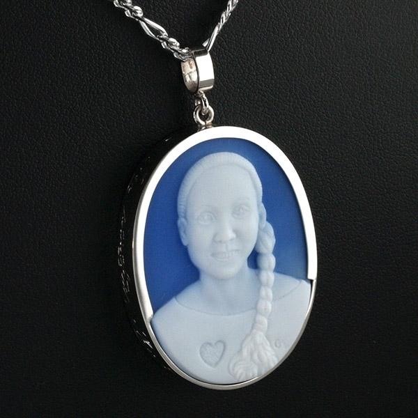 cameo-portrait-jewel-silver-ponytail