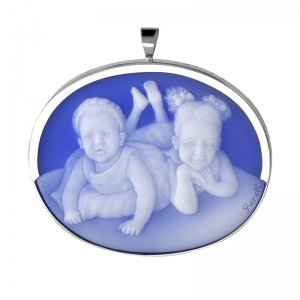 cameo-two-grandkids-gift-for-grandma-8-sq