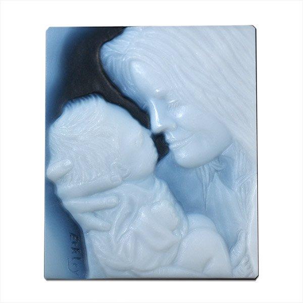 mother-newborn-baby-cameo-portrait-sq