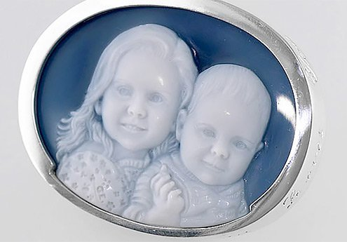 wedge-wood-blue-cameo-grandkids