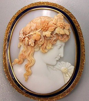 emperor-shell-cameo-3-layers