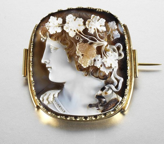 Lot 21 Bonhams Cameo Brooch 100000 dollars