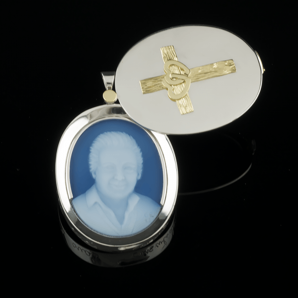 custom-locket-hearts-cross-cameo