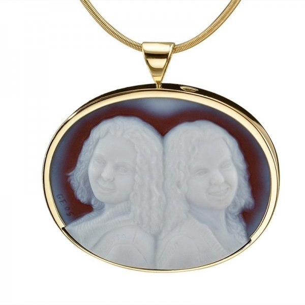 double-cameo-two-sisters-sardonyx-cameo-necklace-8-sq