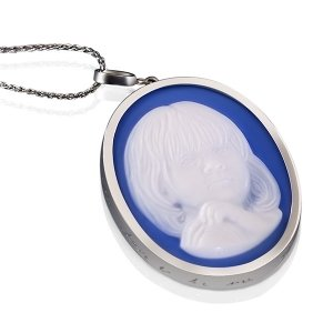 blue-agate-cameo-necklace-white-gold-white-6-sq