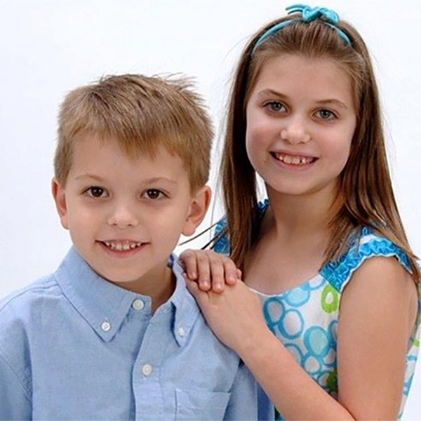 brother-sister-children-photo-sq
