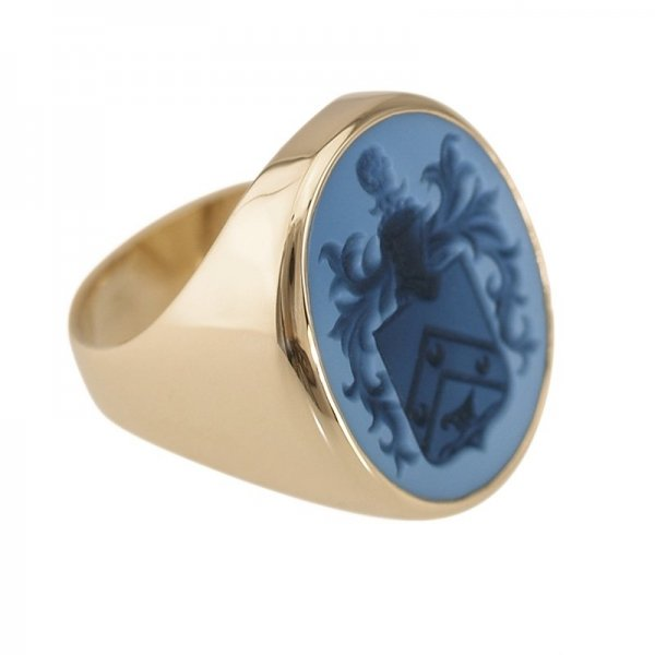 family-crest-signet-ring-gold-800-sq