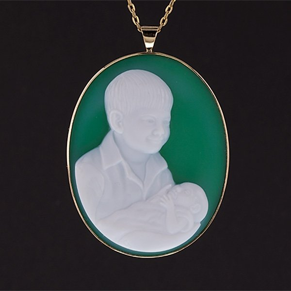 green-portrait-cameo-pendant_sq