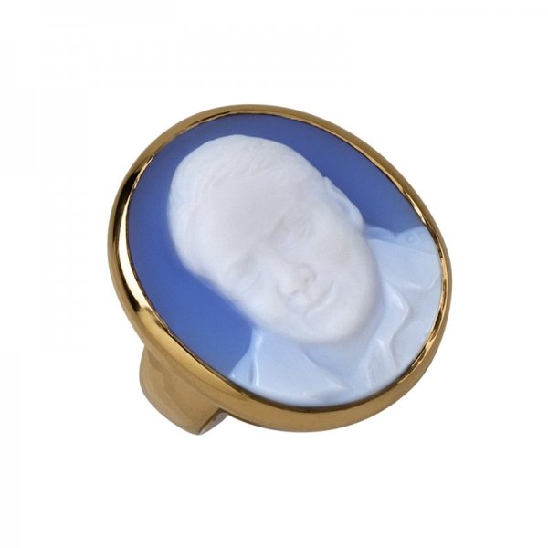 sympathy-cameo-ring-blue-agate-
