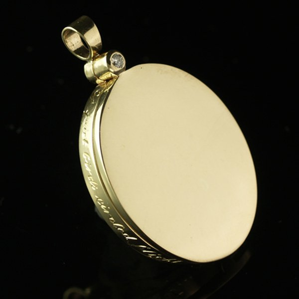 yellow-gold-locket-sq