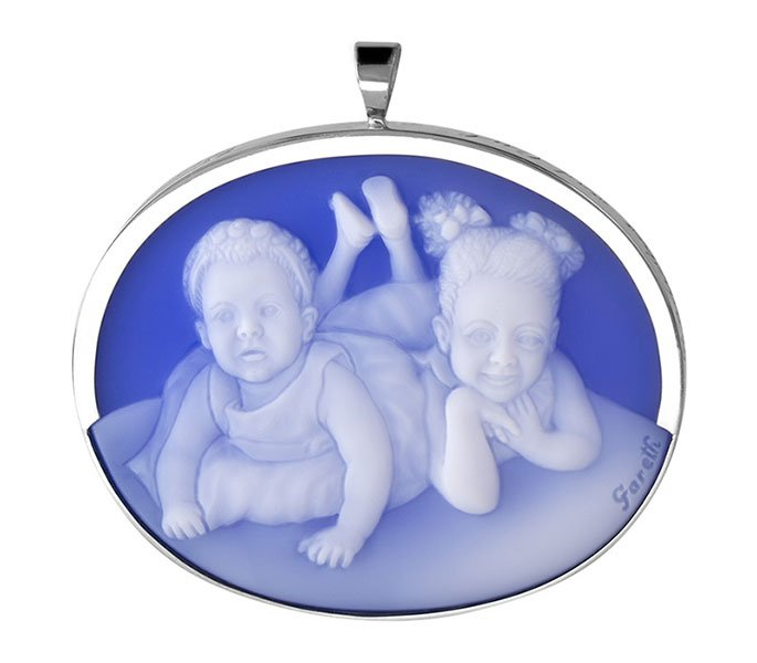 cameo-two-grandkids-gift-for-grandma