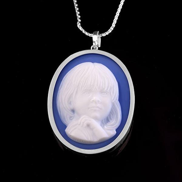 blue-cameo-portrait-platinum-daughter-600sq