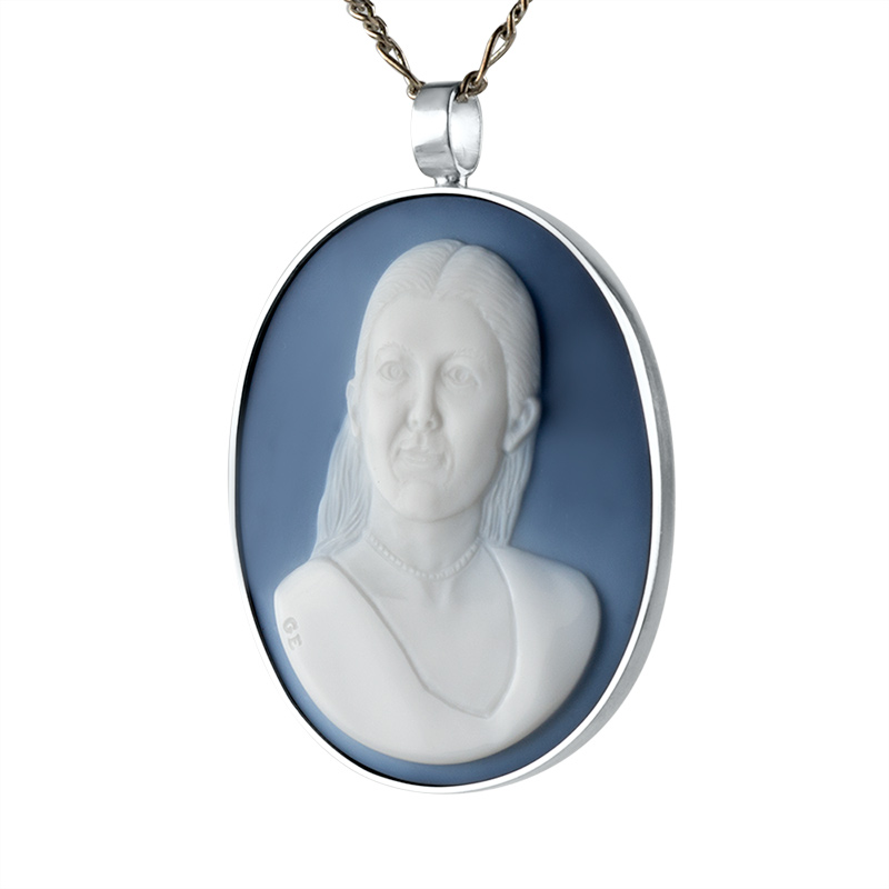 wedgewood-blue-cameo-necklace-front-8-sq