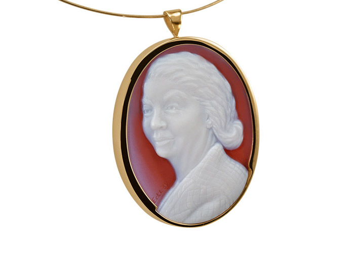 white-red-cameo-mother