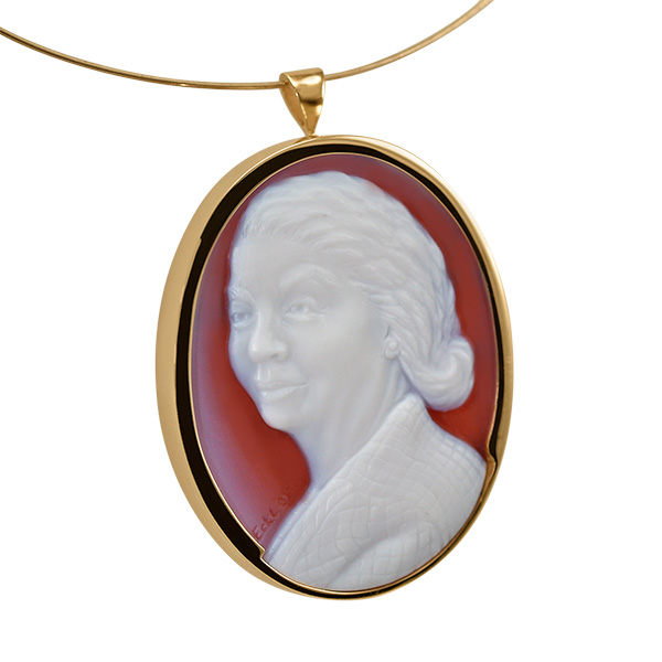 white-red-cameo-set-gold-necklace