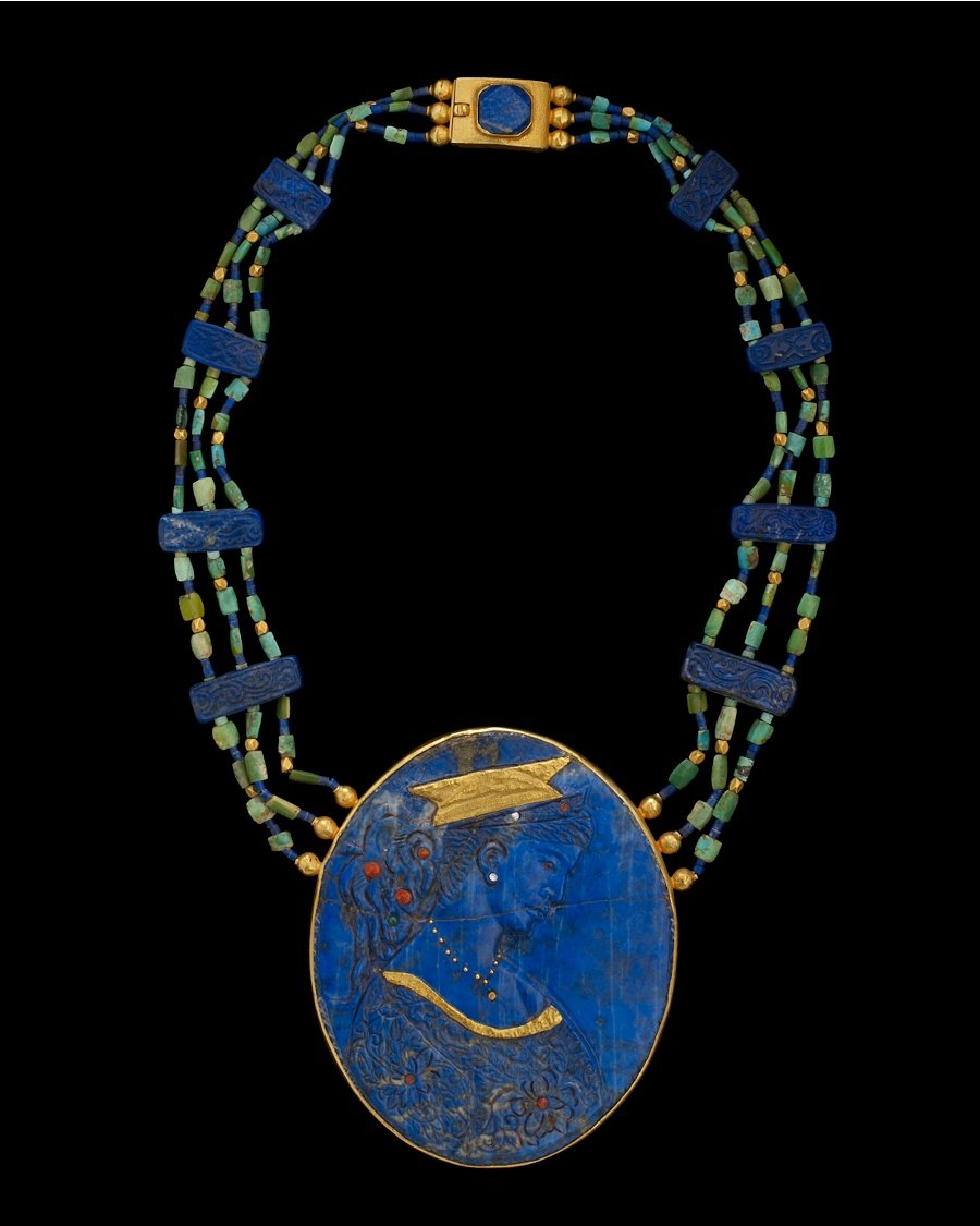 Lapis Lazuli cameo with gold detail necklace