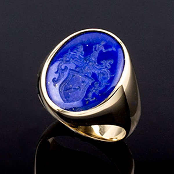 lapis-lazuli-signet-ring-crest-reuss