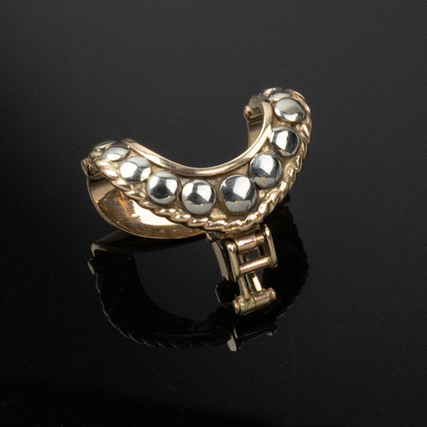 pearl-enhancer-clasp-front-6-sq