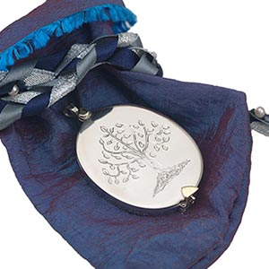 sympathy-gift-for-mother-tree-of-life-locket-3-sq
