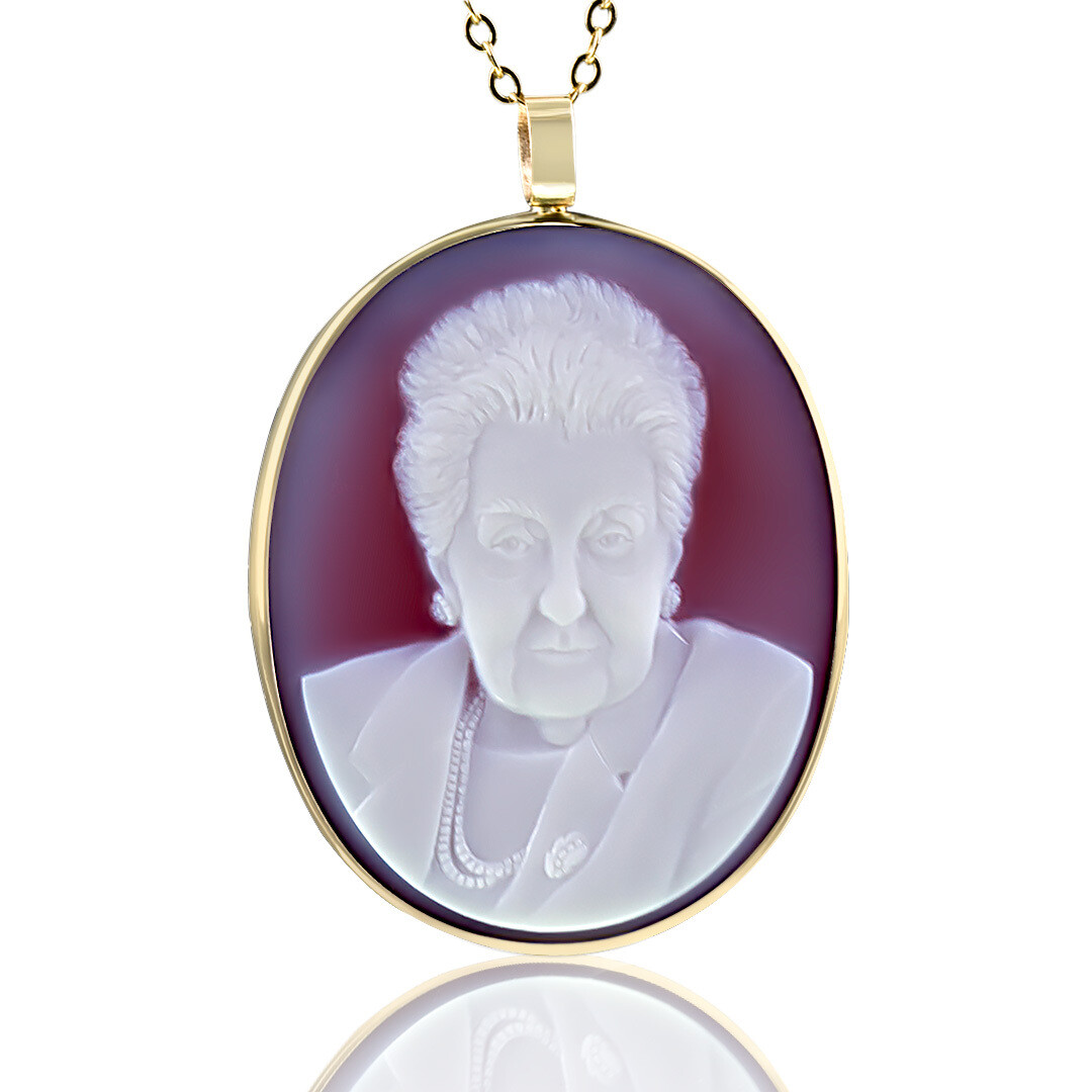 gemstone-cameo-necklace-grandma