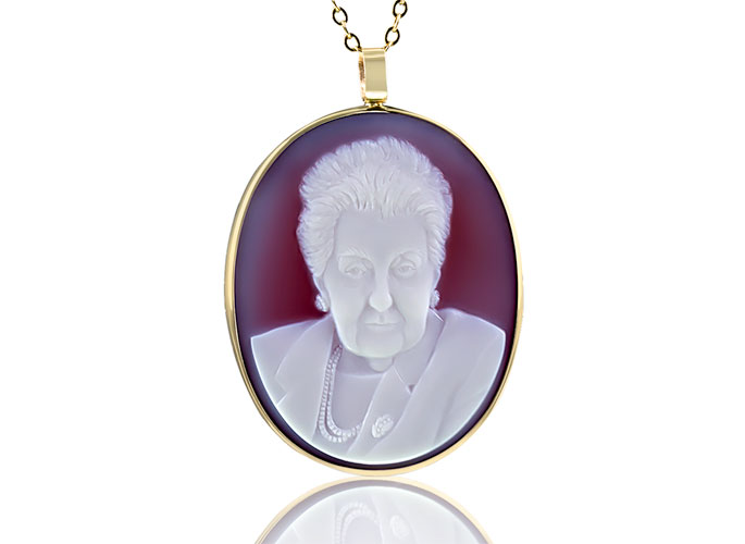 cameo-for-grandma-white-red-sardonyx-feat