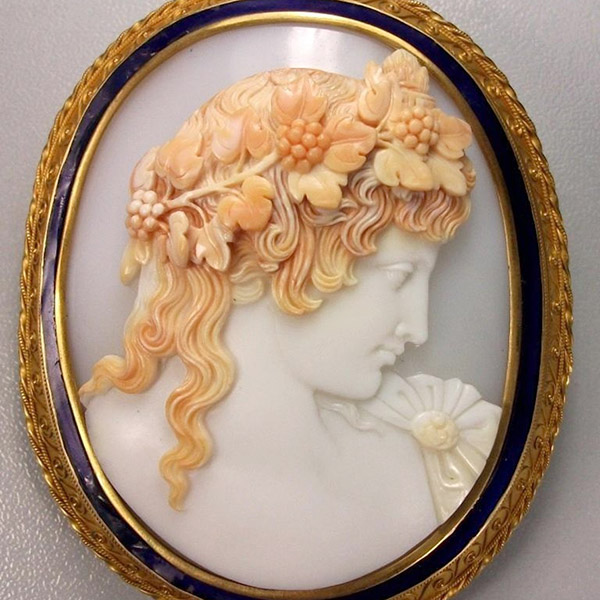emperor-shell-cameo-3-layer-6-sq