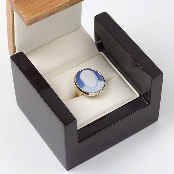 cameo-ring-box