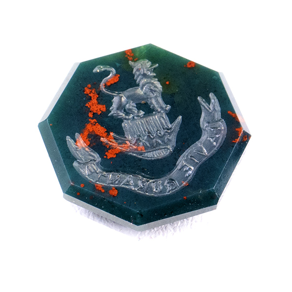 bloodstone-hexagon-crest-stone-signet-ring