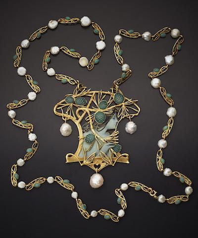 lalique-necklace-chain-pendant-woman-face