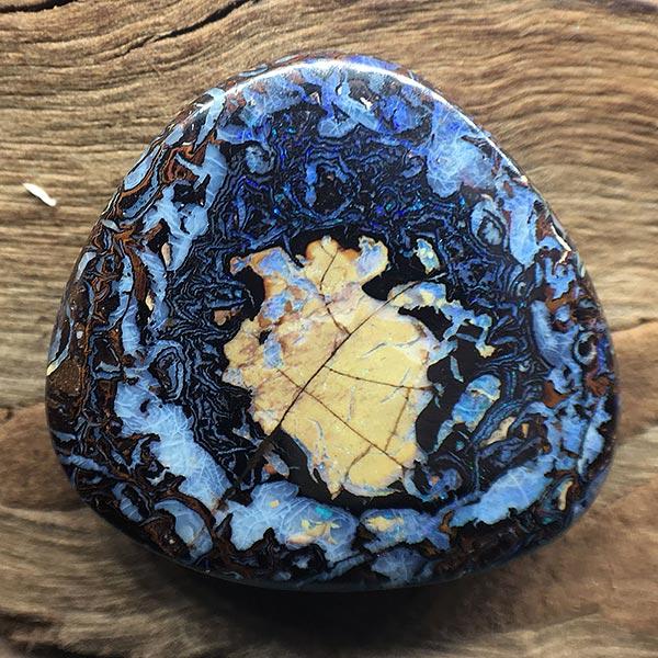 Opal-yowah-nut-australia-web